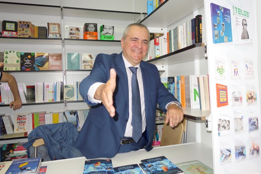 4-Feria del Libro 2017 EMPRENDE EN LA ERA DIGITAL (2).JPG