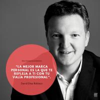 """Entrevista a David Díaz Robisco  experto en  marca personal, linked in y  social-selling . Autor de """"10 días para tener un perfil con huella""""."""